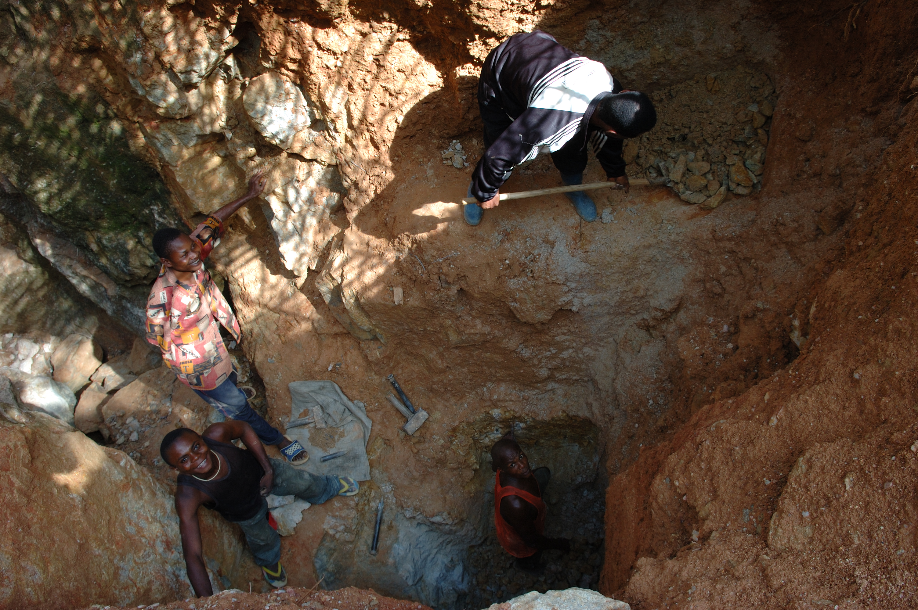 The Congo Wars: The Curse of Mineral Wealth Explored – MIR